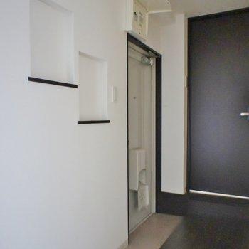 なんだか変わった玄関♪。※写真は前回撮影時のもの