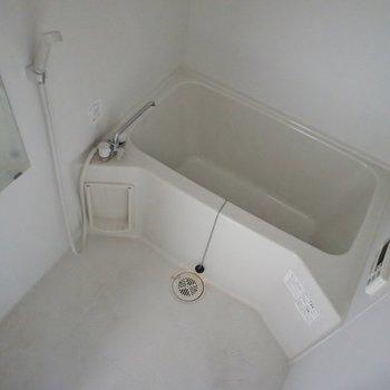 浴室乾燥気付きのバスルーム。
