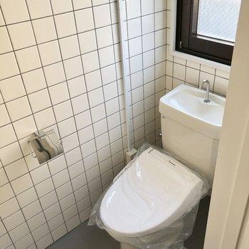 トイレもしっかり個室で、清潔感ありますよ!