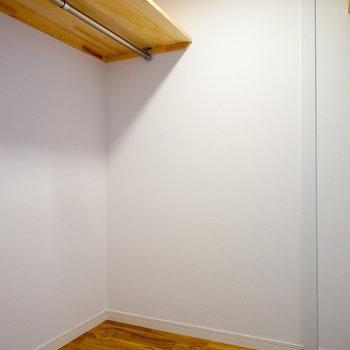 寝室にはこちらのウォークインクローゼットと、※写真はイメージ