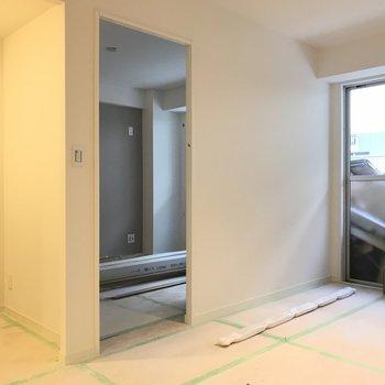 こちらは寝室です!扉がつきます!※工事中のお写真です。