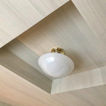 もちろん天井もこのこだわり (※写真は同間取り別部屋のものです)