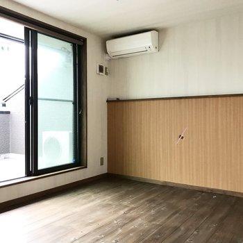 こちらはベッドルームとして(※写真は同間取り別部屋のものです)