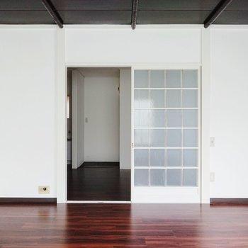 ガラガラと扉を開けてダイニングへ。※写真は前回募集時のものです