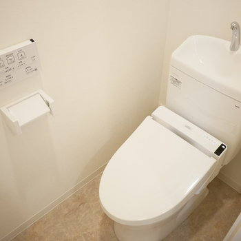 トイレはスッキリしたデザインのもの