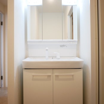 洗面台が幅広!