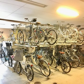 駐輪場も大きいし、しっかり整備されていました。
