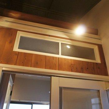 この小窓もすごく好き。