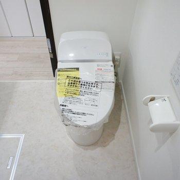 タンクレスのトイレと、