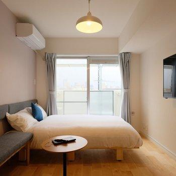 リノベーションされた室内に、こだわりの家具を※407号室の写真です
