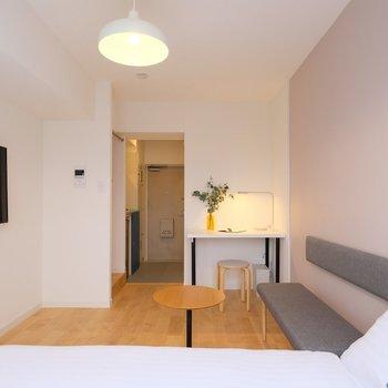 暮らしに必要な家具をすべて揃えています※407号室の写真です