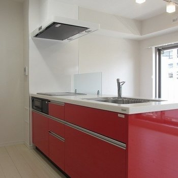 【LDK】このキッチンで何をつくろう??※写真は1階の反転間取り別部屋のものです