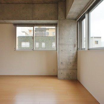 かくっとL字に ※写真は3階同間取り別部屋のものです