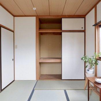 【6帖和室】来客用のお布団などもしまえる収納です。※家具はサンプルです