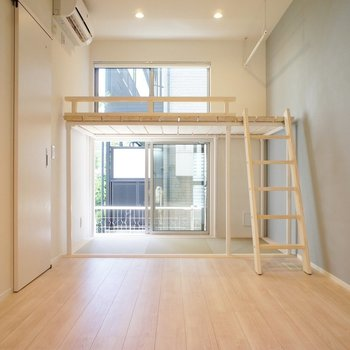 万人が愛せるデザインで。※写真は1階の同間取り別部屋のものです