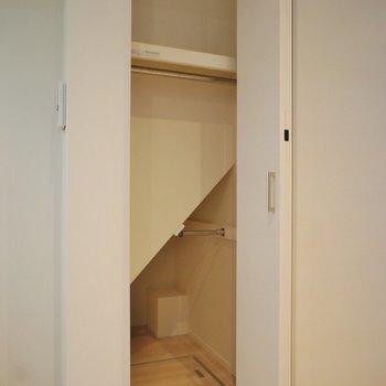 収納は少ない。※写真は1階の同間取り別部屋のものです