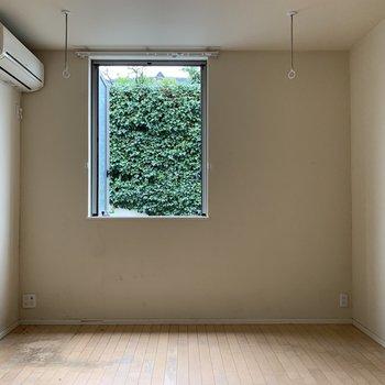 【工事前】窓の外が緑って、いいよね。