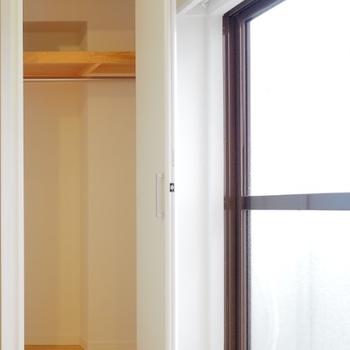 【イメージ】空間だって「もったいない」有効につかうにはやっぱり折戸の収納。