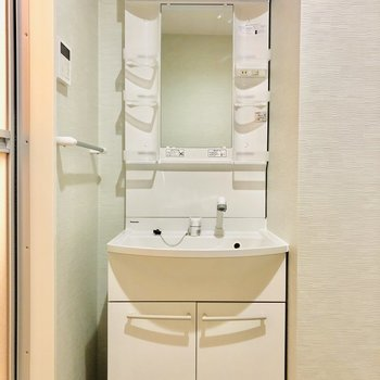 洗面台はシンプルですね。使い勝手◎