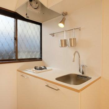 キッチンも1口ながら作業場が大きくていい!