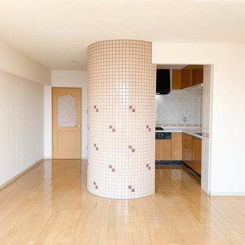 【LDK】ひろーーいリビング。※写真は2階反転間取り別部屋のものです