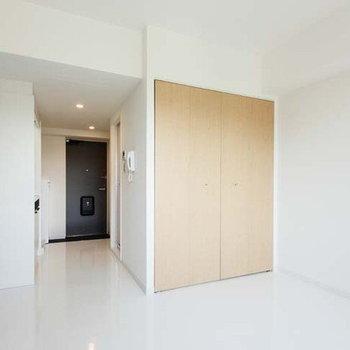 ひとり暮らしにぴったりのシンプル間取り。※写真は4階の同間取り別部屋のものです