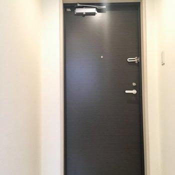 【1階】シューズボックスはないんです。※写真はクリーニング前のものです。