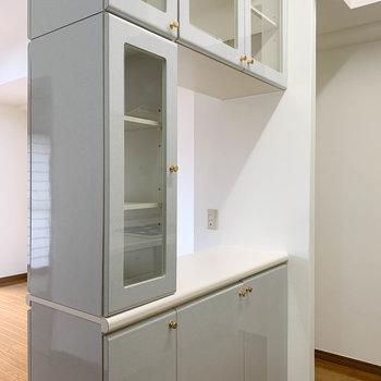 【LDK】備え付けの食器棚の頼もしさ。