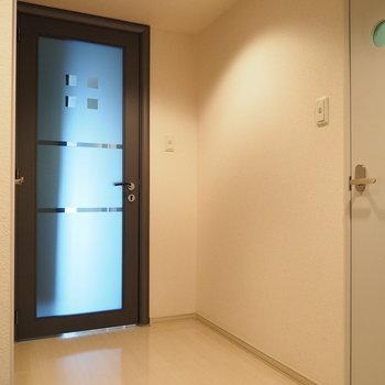 廊下。※写真は同間取り別部屋です