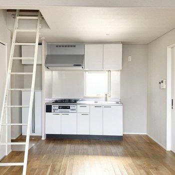 キッチンの設備はしっかりしています。※写真は通電前のものです