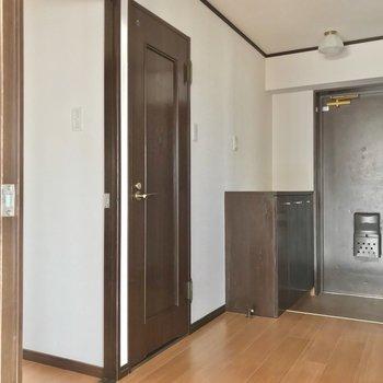 廊下にも洋室が1部屋。