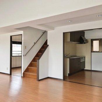 キッチンは独立したスペースに。家電も充実させられますよ。