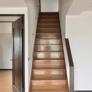 それでは階段をのぼってみましょう。
