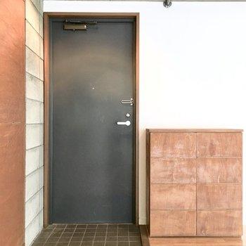 玄関はこんな感じ。