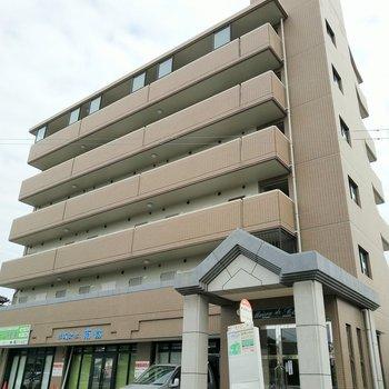 マンション目の前に「井尻駅入口」バス停があります◎