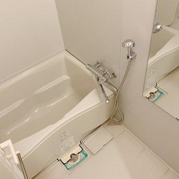 お風呂はシンプルな方が落ち着いてゆっくりできるから好き。※写真は3階の同間取り別部屋のものです