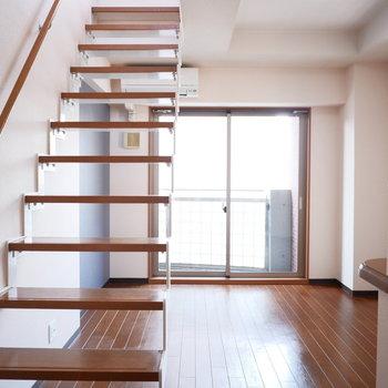 階段の圧迫感がなくて気持ちいい◎