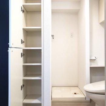 洗濯機置き場と、またまた収納スペース◎