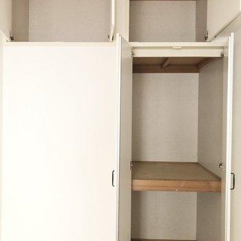 【洋室西側】上の方には、普段使わないものなど収納すると良さそう!