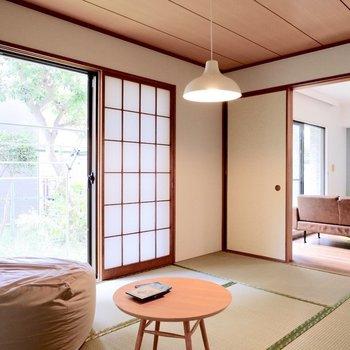 【和室】窓際に腰掛けて、お茶でも飲もうかなぁ。※家具・雑貨はサンプルです