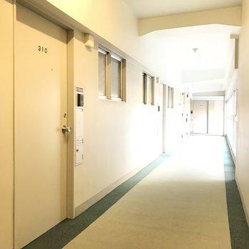 共用部と玄関扉