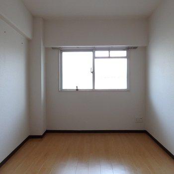 寝室はコンパクト。5.1帖※写真は別部屋