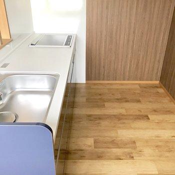 食器棚や冷蔵庫を置くスペースもありますよ!