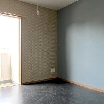 壁寄せで家具を置きやすいよ。