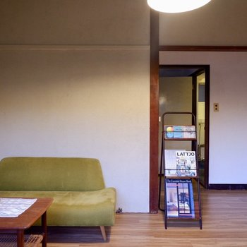 さて、右奥へ行ってみましょうか。※家具はサンプルです