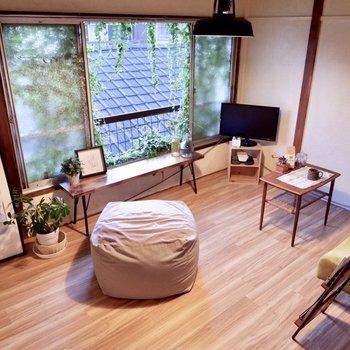 窓が大きいのが嬉しい。※家具はサンプルです