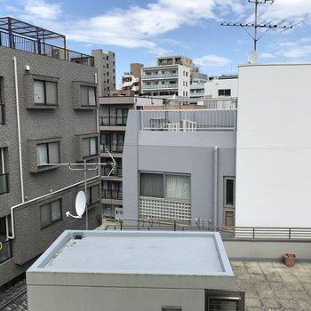 1階眺望は、空と街並みを感じられて落ち着ける