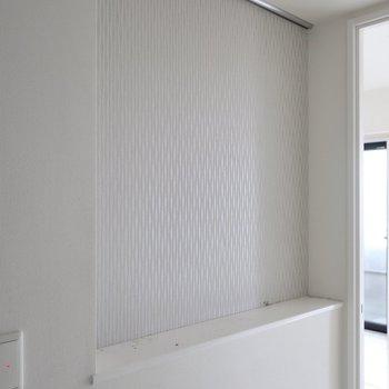 玄関のニッチにはスワッグ飾りたい※写真は17階の同間取り別部屋、通電前・清掃前のものです