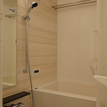 浴室乾燥機能も追焚機能も。