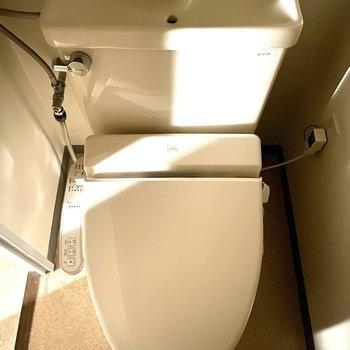 嬉しい温水洗浄機付きトイレ。
